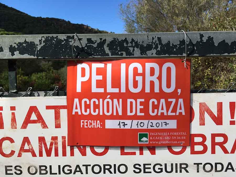 carteles accion caza monterias ganchos andalucia